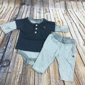 3/$10 Baby Gap 0-3 month outfit